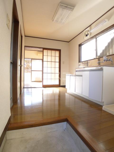 志朋ハイツ・峰 106号室のキッチン