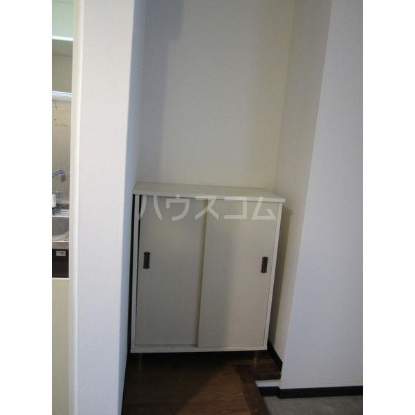 稲葉ビル 3-C号室の収納