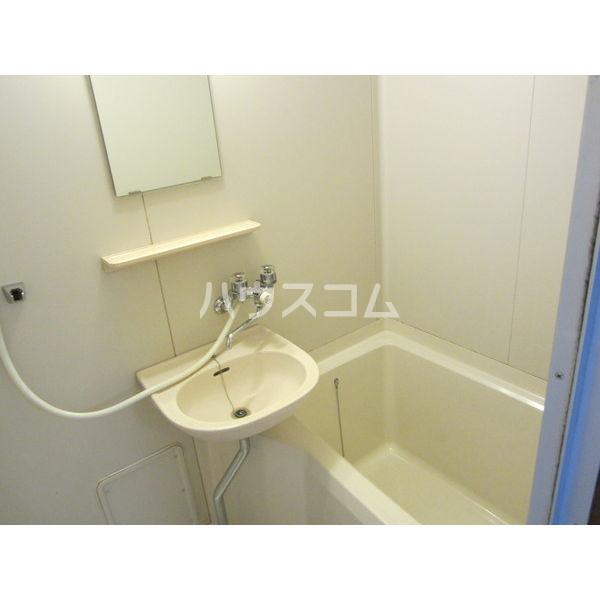 稲葉ビル 3-C号室の洗面所