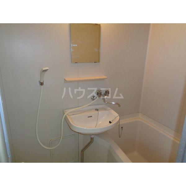 稲葉ビル 3-D号室の風呂