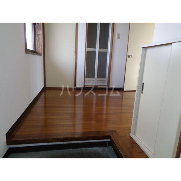 稲葉ビル 3-D号室の玄関