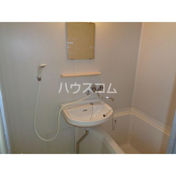 稲葉ビル 3-D号室の洗面所