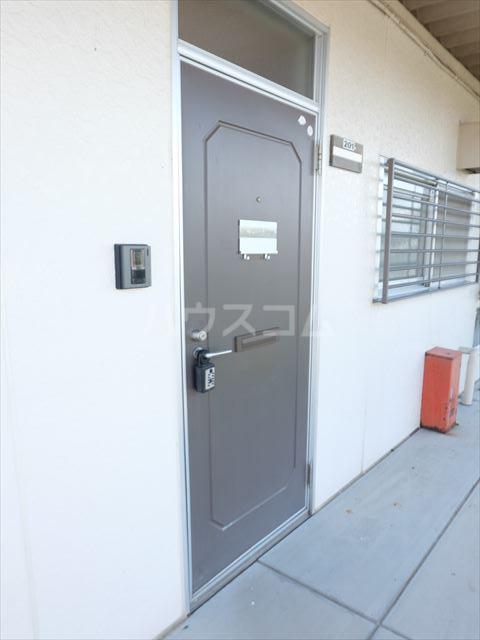 明清ハイツ 201号室の玄関