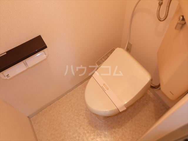 明清ハイツ 201号室のトイレ