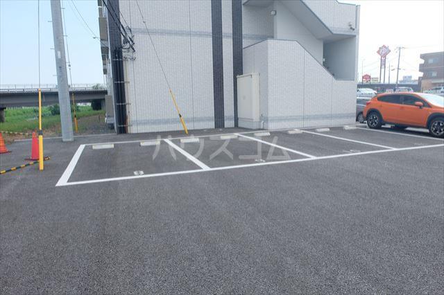 ウィンクラッセ 603号室の駐車場