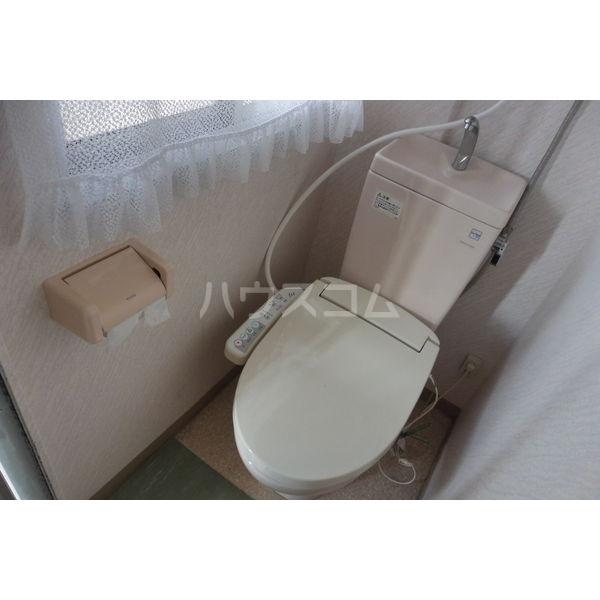 太陽マンション103棟 302号室のトイレ