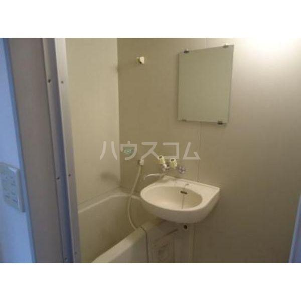 プレザン 102号室の風呂