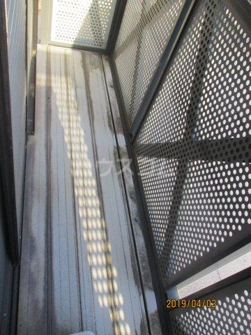 メゾンスリーゼ B 102号室のバルコニー