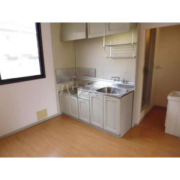 サンビレッジ光陽台六番館 102号室のキッチン