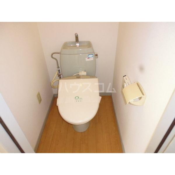 サンビレッジ光陽台六番館 102号室のトイレ
