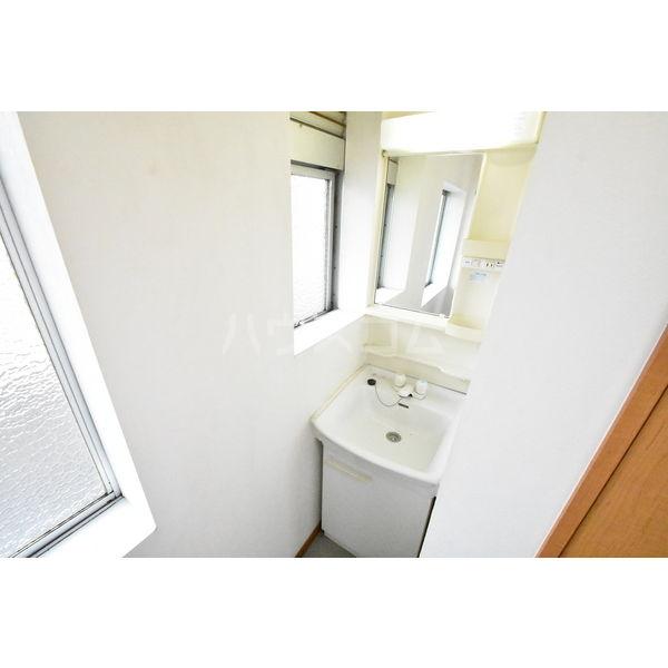 錦コート 303号室の洗面所