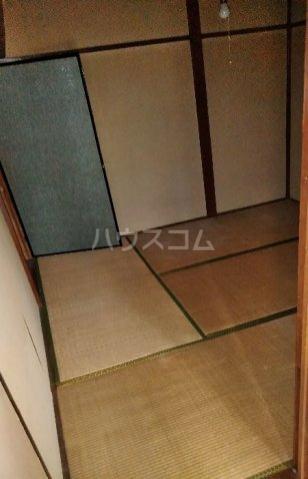 ビレッジ江曽島17号棟の居室
