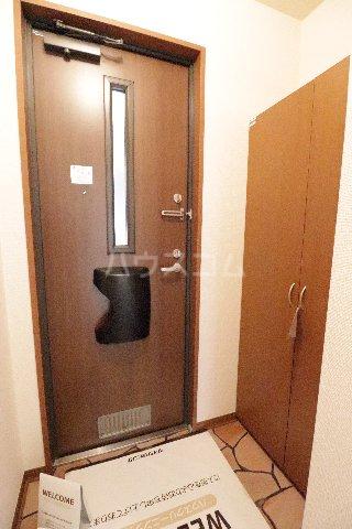 ウィルビューA棟 201号室の玄関