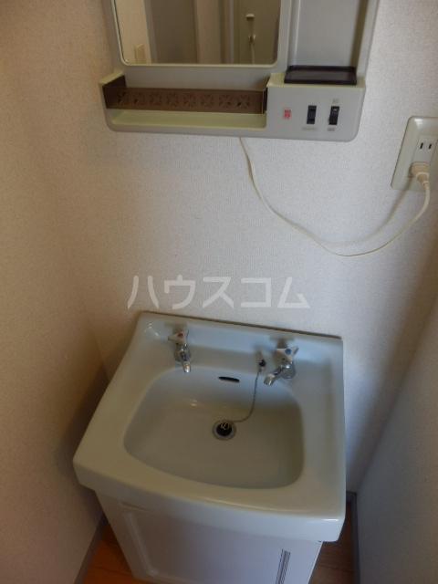 ポトリバA 103号室の洗面所