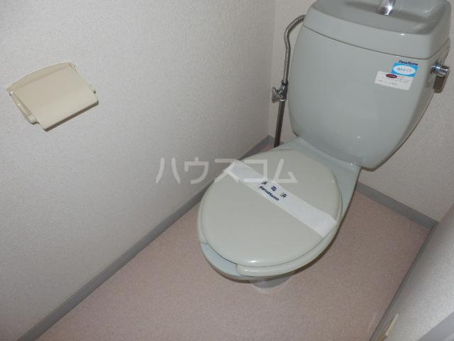 ポトリバA 103号室のトイレ