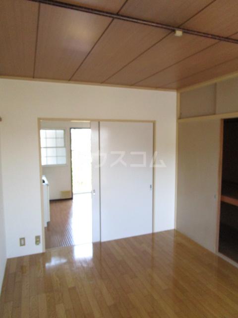 サンシティ梅郷 208号室の居室