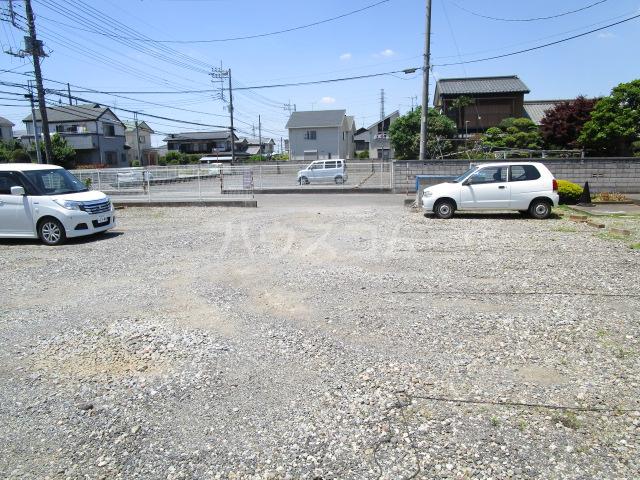 サンシティ梅郷 208号室の駐車場