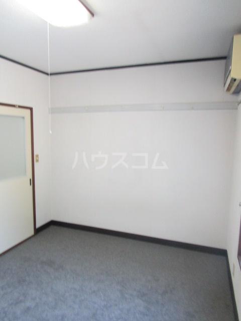 ル・ドルトア大塚 205号室のリビング