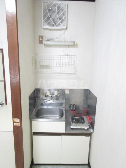 ル・ドルトア大塚 205号室のキッチン