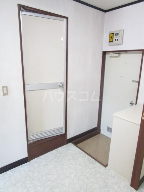 ル・ドルトア大塚 205号室の玄関