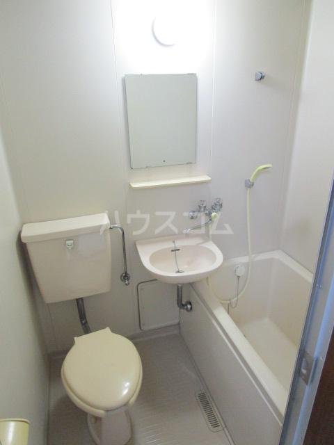 ル・ドルトア大塚 205号室の洗面所