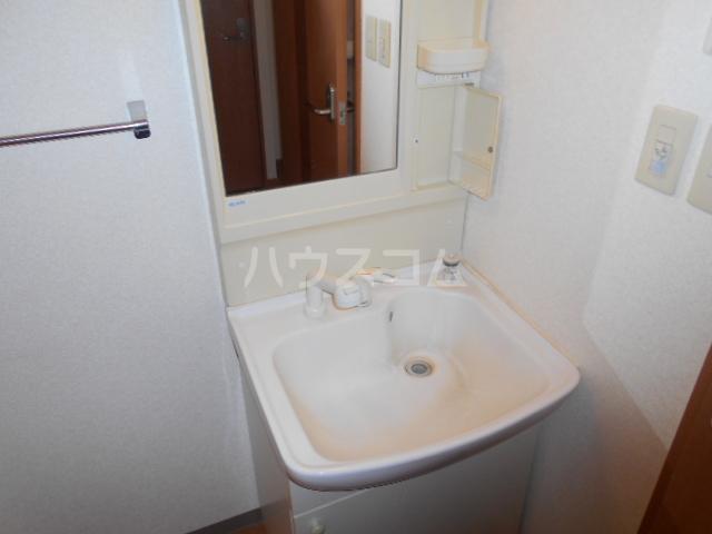 レインボーⅠ 102号室の洗面所