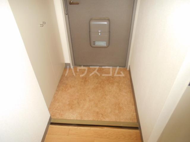 ジュネス西湘 408号室の玄関