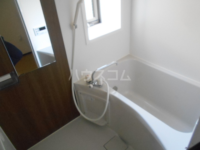 ベルウッド小田原 201号室の風呂