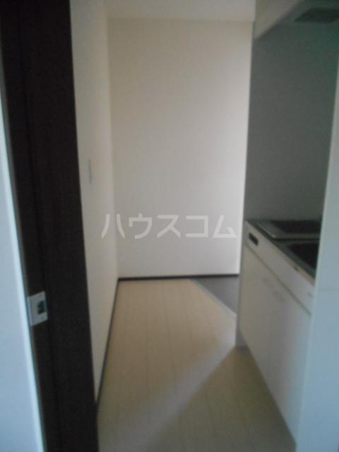 ベルウッド小田原 201号室の玄関