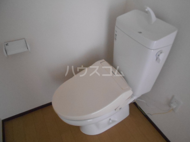 ベルウッド小田原 201号室のトイレ
