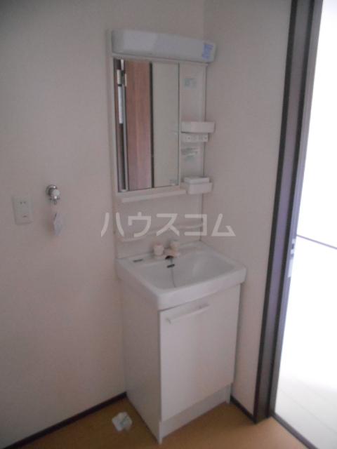 ベルウッド小田原 301号室の洗面所