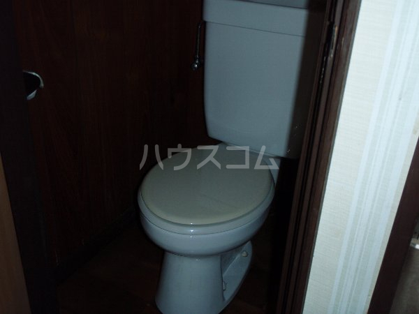 小狩荘 105号室のトイレ