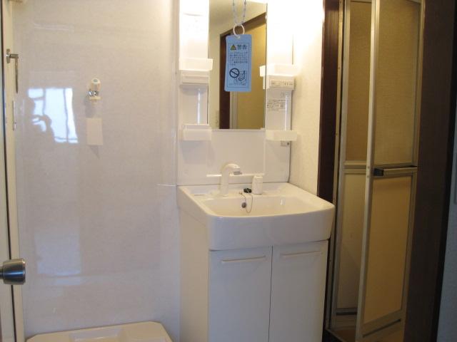 フユーグマンション 207号室の洗面所