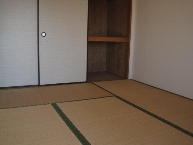 フユーグマンション 207号室のリビング