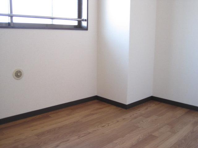 フユーグマンション 207号室の居室