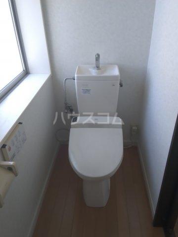 山中ビル 502号室のトイレ