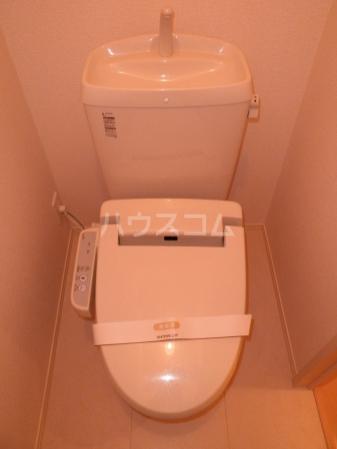 庵 101号室のトイレ