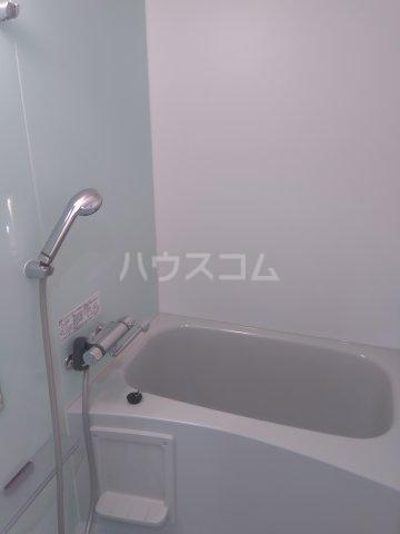 ディアレイシャス鶯谷 503号室の風呂