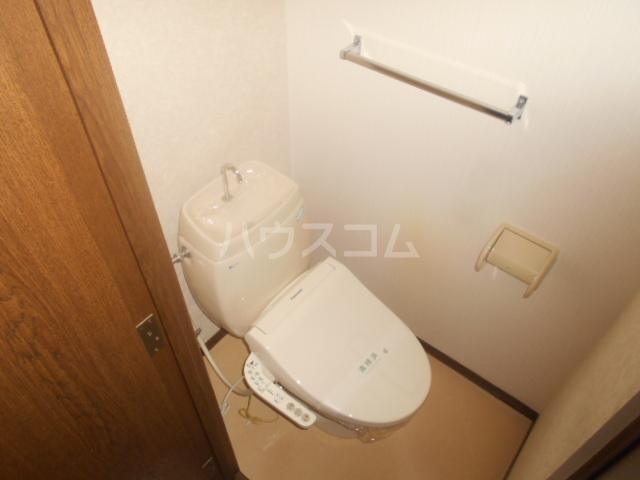 グランハイム栄B棟 106号室のトイレ