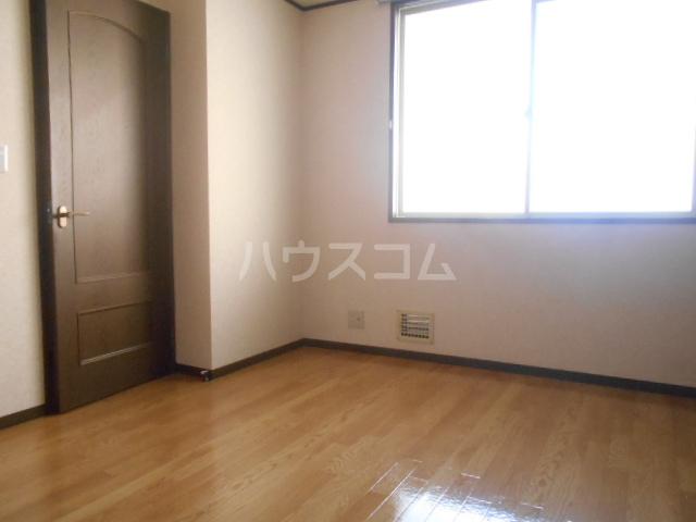グランハイム栄B棟 106号室の居室
