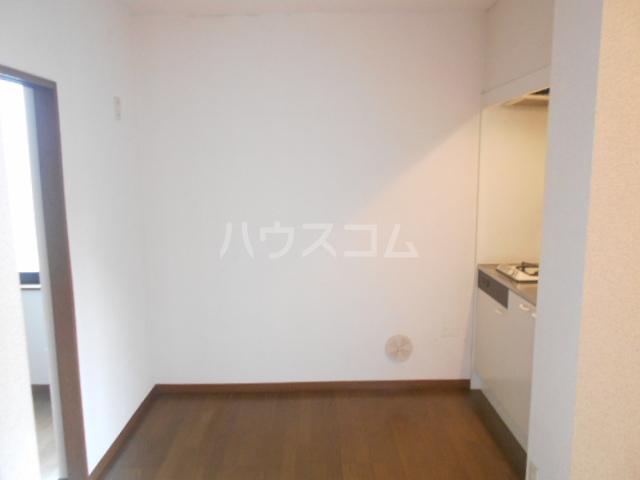 エステートピアイケダ 101号室のリビング