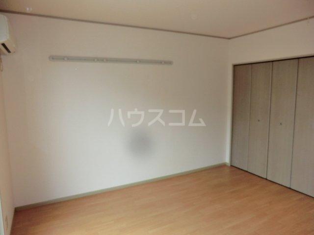 グリーンオーク 101号室の居室