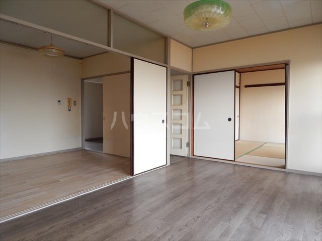 藤和春日部ハイタウン3号棟 508号室のリビング