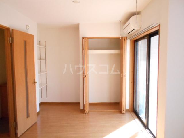 パレス・ユートピア 01020号室のリビング