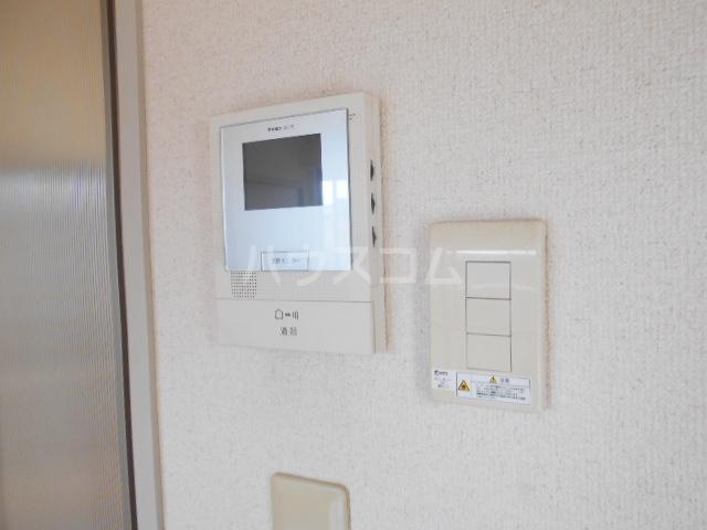 ファミール高野台 202号室のセキュリティ