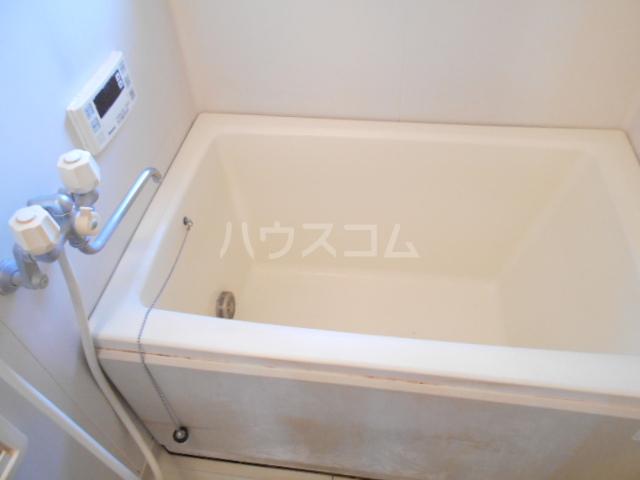 ファミール高野台 202号室の風呂