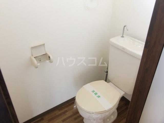 オークス豊春 201号室のトイレ