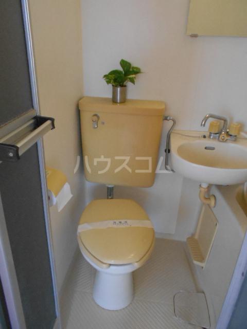 グリーンハイツ稲 202号室のトイレ