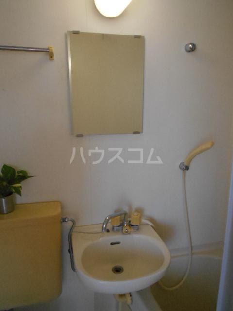 グリーンハイツ稲 202号室の洗面所