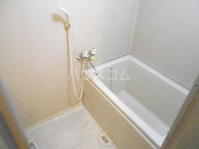 第2グリーンテラスコーザン 201号室の風呂